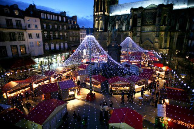 clermont-auvergne-tourisme-visite-en-famille-3097280-1600x1068